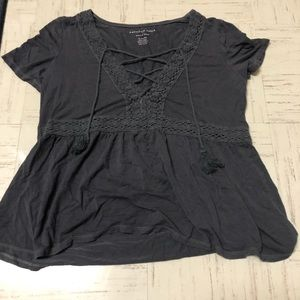 grey lace up american eagle flowy top